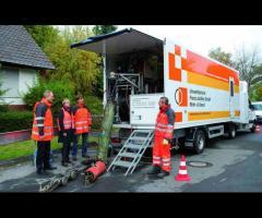 Operator vehicul de reabilitare canal