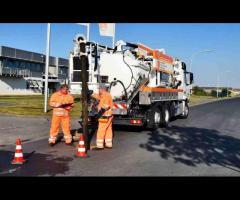 Operator vehicul de aspirare și clătire cu recuperarea apei